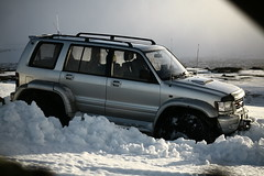 IMG_3021 (Brynja Eldon) Tags: trooper iceland inch nissan jeep tire land cruiser patrol 44 sland 38 isuzu weel weels tommu landcruiser70 tommur