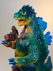 Bandai B-Club – Vintage Bullmark Giant Gojira (ジャイアントゴジラ) Reprint – Custom Paint Job – Close Up 1 – Father Figure! (My Toy Museum) Tags: colour vintage giant paint godzilla custom goji reprint bullmark