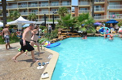 2013 rits sat pool party (67)