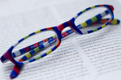 Something_To_Read.jpg (NoBudgetPhoto.de) Tags: canon buch eos book goggles 365 brille glas glases gegenstand 60d eos60d