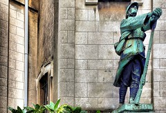 Credo (Dimitris_D) Tags: monument sony streetphotography credo 19141918 paroissedelasaintetrinit dscrx100 henrijosephholemans