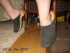 be404bl24 (Bluemscher) Tags: beautiful clogs mules woodenshoes klompen sabots zuecos madeingermany zoccoli klogs minimalistisch holzschuhe holzschuh berkemann clox holzklepper holzclogs klox kloks zoggeli holzlatschen tffler torpatoffeln toeffler holzsandale walkonwood holzpantoffel holzklappern