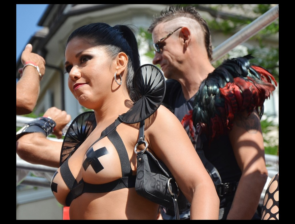 girl-street-parade-nude-motorbikes