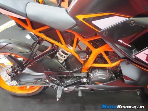 KTM-Tokyo-Motor-Show-2013-24