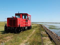 09-08-04 Wangerooge Anleger Rangierfahrt 399 107 - 2 - 03 (tramfan239) Tags: db wangerooge 399 diesellok 1000mm inselbahn schöma schmalspurbahn
