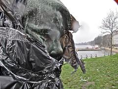 Staying safe (Sandra Hoj / Classic Copenhagen) Tags: copenhagen statues plastic cover newyearseve bags protection kbenhavn drlouisesbro statuer