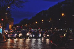 Night Lights in Paris (Leon_Biss) Tags: paris night canon de arc triomphe