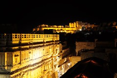 The Fort and the Haveli (Saumil U. Shah) Tags: travel light sculpture india art heritage history tourism night dark golden town sandstone flickr desert fort indian culture craft tourist illuminated historic fortress floodlight jaisalmer floodlit rajasthan shah haveli goldencity  saumil  incredibleindia patwon patwa  saumilshah