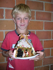 "zomerspelen 2012 koekhuisjes maken • <a style=""font-size:0.8em;"" href=""http://www.flickr.com/photos/125345099@N08/14220630669/"" target=""_blank"">View on Flickr</a>"