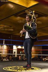 El Gaitero Jesús Fernández González (Samuel Monte-Arrieta Foto) Tags: la gaitero asturias ring piper boxing oviedo fernández jesús gonzález bagpipe boxeo gaita asturies uvieu zoreda