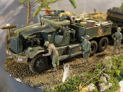 U.S. M19 Tank Transporter (Soft-top cab) - 1/35 (xavnco2) Tags: salon modlisme maquette 2016 till oise picardie france model show camion truck trucks lorry lkw militaire arme army military diorama ww2 m19 diamond tank transporter 135 scale figurines soldiers soldats