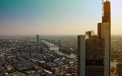 High above Frankfurt (Niwi1) Tags: maintower hessen germany nikon niwi1 outdoor oben skyline wolkenkratzer skyscaper main city building fluss river stadt grosstadt mainhatten mainmetropole aussichtspunkt aussichtsplattform helaba