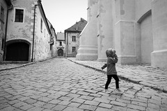 Passeig (avore) Tags: ariadna bratislava carrer street slovakia slovensko eslovaquia bw blackandwhite fz1000 lumix