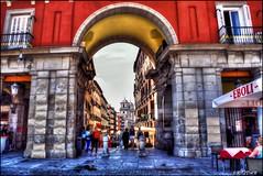 Puerta de Cofreros, Plaza Mayor de Madrid (Jose Roldan Garcia) Tags: plaza puerta cofreros urbana perspectiva madrid