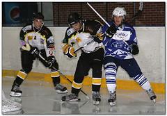 Hockey Hielo - 30 (Jose Juan Gurrutxaga) Tags: file:md5sum=0e6a46f83163972e24a3647bd9aa5c3b file:sha1sig=88e31d16b73bf6d58901f2a674d5afedd8bb4ede hockey hielo izotz ice txuri txuriurdin puigcerda