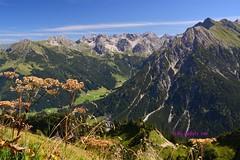 Blick vom Walmendinger Horn (kh goldfoto) Tags: wandern best panoramio1382370123342708 walmendingerhorn bergblick kleinwalsertal österreich zwölfer wildental