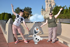 Magic Kingdom (Elysia in Wonderland) Tags: elysia florida orlando disney world 2016 holiday magic kingdom olaf frozen amy snowman shot castle cinderella