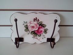 IMG_20161027_140628 (Imer atelie) Tags: cabideiro ganchos provençal parede casa decoração pintura pinturamdf rosa