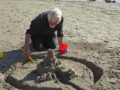 5Fri DT&Dee Sand Castle9 (g crawford) Tags: penzance cornwall marazion stmichaelsmount crawford sandbeach sandcastle dangerted ted teddy teddies dt dee bucket spade