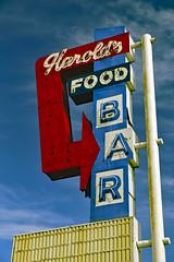 Harold's (Pete Zarria) Tags: minnesota bar saloon tavern club city color red food liquor neon sign small town
