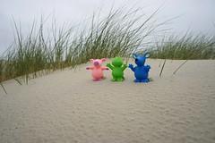 welcome :-) (winne pu) Tags: welcome bokeh germany dunes norderney meineinsel northsea nordstrand sea ocean marramgrass toys dieliebensieben