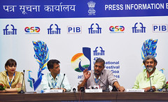 IFFI-2016: Director Mahesh Manjrekar and the actor Nana Patekar of the film Natsamrat at a press conference (legend_news) Tags: iffi2016 director mahesh manjrekar actor nana patekar film natsamrat press conference