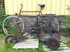 Vintage Swedish Cargo Bike (Mikael Colville-Andersen) Tags: bike bicycle vintage skne sweden svensk cargobike copenhagenize