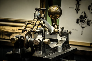 alte Diamantschleifmaschine