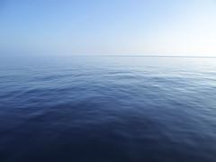 Is This How You Feel? (Giuseppe Suaria) Tags: ocean sea mer mar mare flat calm oceano calmo