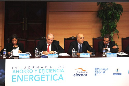 "IV Jornadas de Ahorro y Eficiencia Energética • <a style=""font-size:0.8em;"" href=""http://www.flickr.com/photos/61278771@N07/10668710355/"" target=""_blank"">View on Flickr</a>"