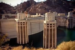 Hoover Dam (Christine Lortie) Tags: usa color nevada unitedstatesofamerica hooverdam couleur tatsunis