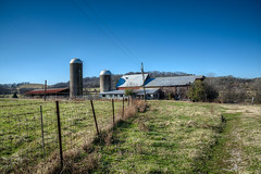 DMT_20131229133108 (Felicia Foto) Tags: usa green architecture barn rural geotagged nikon farm tennessee barns handheld silos hdr highdynamicrange allrightsreserved d600 3xp photomatix middletennessee williamsoncounty thompsonsstation denisetschida agriculturalstorage thompsonsstationtennessee
