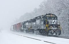 NS 4641, NS Chicago District, Dunfee, Indiana (monon738) Tags: railroad snow train pentax ns snowstorm engine indiana railway locomotive k5 norfolksouthern geep emd railfanning diesellocomotive whitleycounty electromotivedivision gp59 smcpda50135mmf28edifsdm emdgp59 ns323 ns4641 nschicagodistrict dunfeeindiana