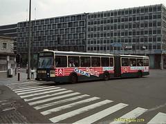 8804-02279§0 (VDKphotos) Tags: man pub belgium bruxelles citroën werbung autobus vanhool stib mivb articulé l71 vhag280