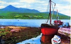 Puffer at Brodick Pier and Goatfell (Scottish Maritime Museum - SMM) Tags: building history museum scotland clyde boat sailing ship scottish commons vessel steam maritime sail steamer cruiser turbine irvine smm buiding ayrshire scottishmaritimemuseum linthouse ayrshirecoast 8qe ka12 scotmaritime