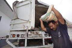 ABASTO DE MAZ EN TIENDAS COMUNITARIAS DE SANTA MARA HUATULCO. (diconsa_mx) Tags: abasto de maz en tiendas comunitarias santa mara huatulco diconsa
