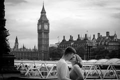 A kiss at five to six (Yannis_K) Tags: london bigben blackandwhite monochrome couple kissing kiss romantic fivetosix yannisk nikond7100 nikon1685mmf3556gvr housesofparliament riverthames