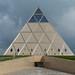 A pirâmide de Norman Foster