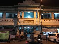Kemajuan Hotel (Kaeru) Tags: surabaya indonesia java