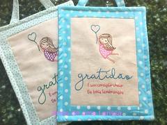 Gratidão (Artes de uma Larissa) Tags: gratidão bordado enfeitedeporta paracasa feitoàmão enfeite enfeitedemaçaneta menina presente decoração casa professores