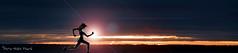 """l'entraînement ... ( P-A) Tags: nuages automne noir menaçant entrainement conditionnementphysique course jogging miseenforme coucherdesoleil marinadaylmer soir femme fille homme photos simpa© """"nikonflickraward"""""""