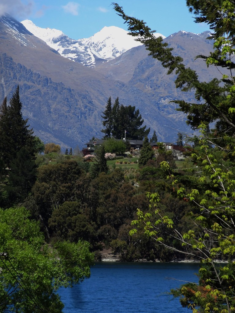 Queenstown. Mountain views from the Botanic Gardens.