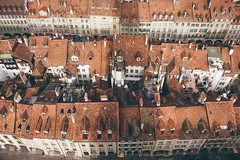Bird's Eye View of the Old Town (freyavev) Tags: birdseyeview oldtown houses oldhouses buildings town streets highview vsco bern switzerland schweiz roofs rooftops red canon canon700d
