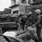 Hue 1968 - Evacuation of wounded troops during the battle for Hue thumbnail
