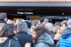 Elbphilharmonie Plaza: Schlange an den Plaza Tickets (kevin.hackert) Tags: architektur aussichtsplattform elbe elbphilharmonie elbphilharmonieplaza elphi hamburg kaispeicher kaispeichera konzerthaus plaza rundumblick wahrzeichen