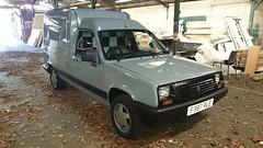 Renault extra 1989 (Dan Chandler) Tags: express rapid extra 1989 renault retro grey van classic