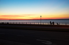 Coucher de soleil  Rimouski. (Gaetan L) Tags: baslaurent gaspsie rimouski nikond7000 route132 provincedequbec fleuvestlaurent coucherdesoleil sunset promenade walk