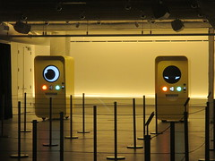 Snapchat Spectacles pop up store 2016 NYC 8440 (Brechtbug) Tags: snapchat spectacles pop up store popup stores midtown manhattan nyc 2016 december glasses techno tech 13000 bucks from two vending machines yellow minion cyclops eye ball eyeball animation robot east 60th street near 5th avenue across mac st ave new york city