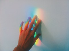 (.ultraviolett) Tags: lighting light colors rainbow hands