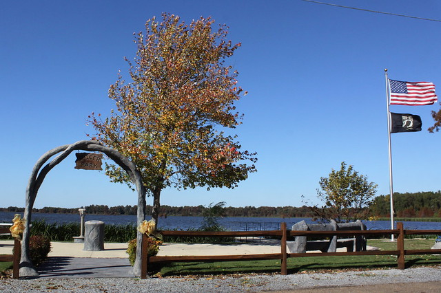 Reelfoot Lake in Autumn: Spicer Park